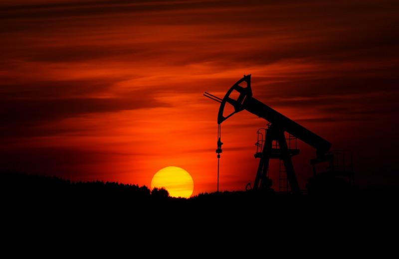 «Эксперт-400»: Россия слезла с нефтегазовой иглы. Что взамен?
