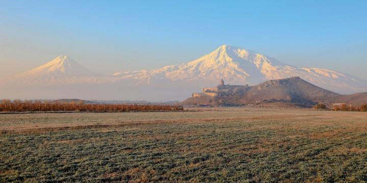 Армения: край гор и древних монастырей