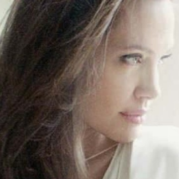 Анджелина Джоли, муза аромата Mon Guerlain