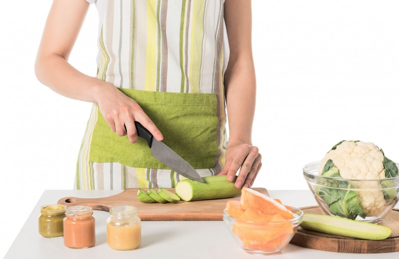 Пора вводить прикорм! 12 советов для родителей