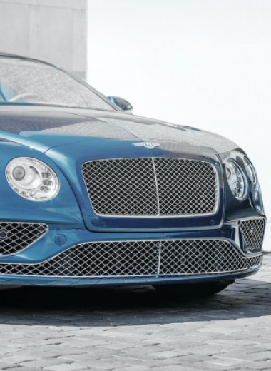Робот в Bentley