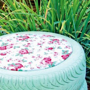 Садовый пуфикиз подручного материала