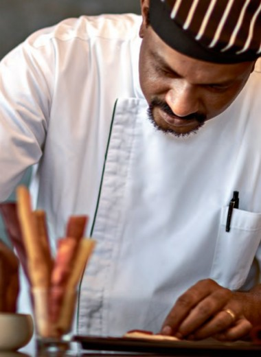 Шеф-повар Гиреш Кумар о сыроедении и индийских специях