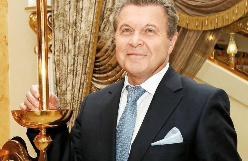 Лев Лещенко: «Могу сам и обои поклеить»