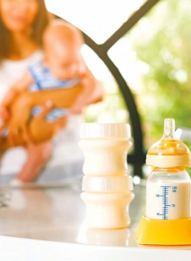 Сцеживание грудного молока:когда, как и сколько?