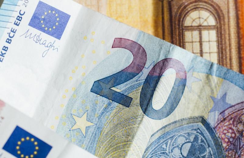 «Отец» евро умер. Как чувствует себя его детище?