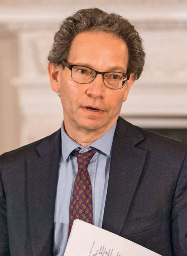 Чарльз Капчан: «Вероятность большой войны между ядерными сверхдержавами остается пока очень низкой»