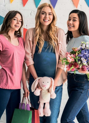 Праздник подарков для будущей мамы