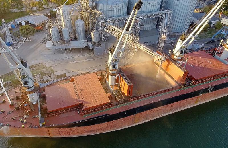 Вывоз зерна приблизился к рекорду