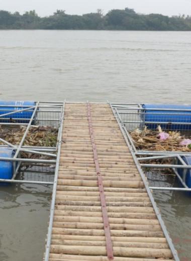 Вьетнамцы придумали дешевое устройство для очистки рек от пластика