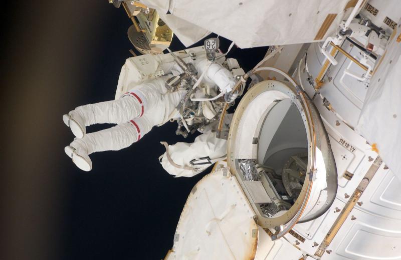 Как пребывание в космосе влияет на мозг человека: новое исследование