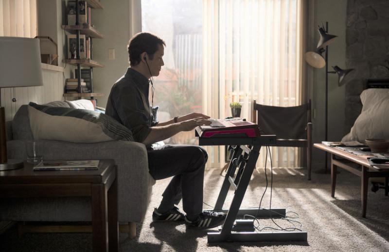 Повесть об обычном человеке: страдания тридцатилетних в сериале Джозефа Гордона-Левитта «Мистер Кормен»