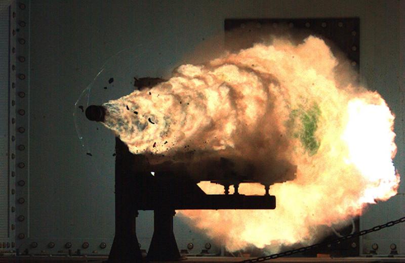 10 безумных прототипов оружия в современной истории