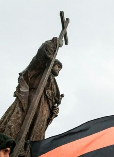 «Пивная открывалка» в честь Великой Победы. Как война памятников сближает Россию и Польшу