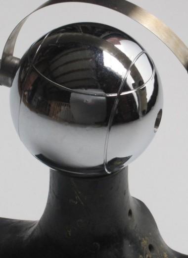 Лучи света и вращение Земли: как устроены часы Марселя Бетризе