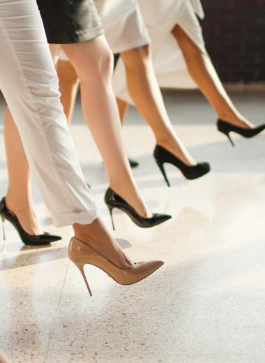 Бессердечная эволюция: ученые объяснили, почему женщины носят каблуки