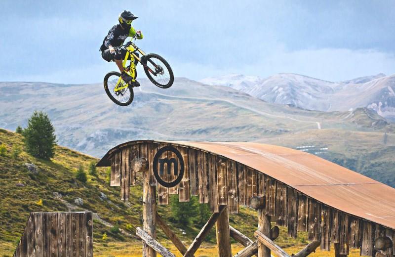 «Трюк необходимо почувствовать»: велоэкстремалы о будущем своего спорта