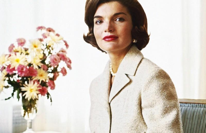 «Шампанское и яйца»: американцы раскрыли секреты красоты Жаклин Кеннеди