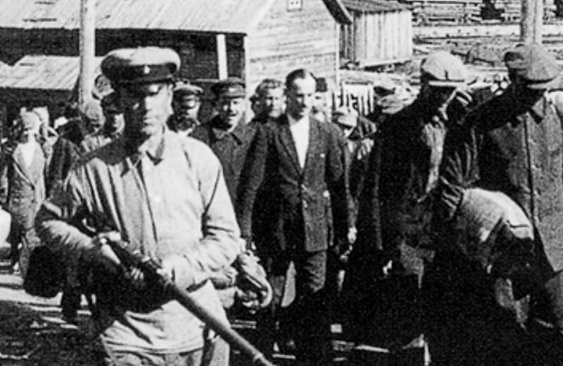 «На следующий день после того, как он умер, за ним пришли из НКВД». Истории семей, переживших репрессии