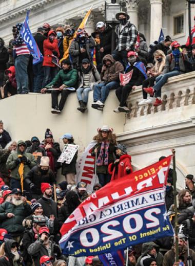 Российские социологи предсказали обострение политической ситуации в США еще 10 лет назад. «Сноб» поговорил с одним из них