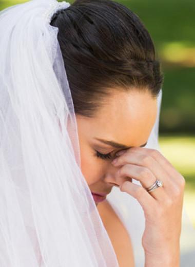 Невеста пригласила на свадьбу бывшую своего жениха, и та испортила праздник