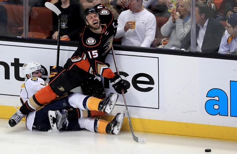 Топ-5 комичных ситуаций, произошедших на хоккейных матчах