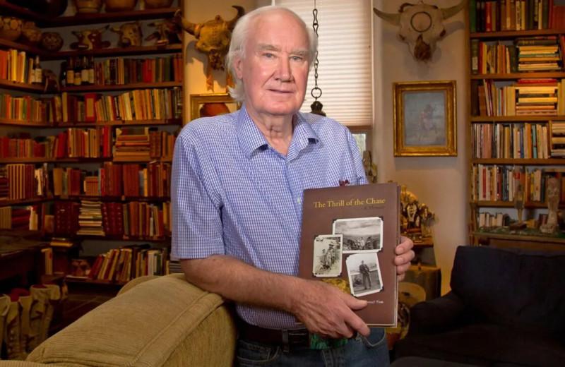 Тысячи людей 10 лет искали спрятанный археологом клад на миллион долларов. До сих пор не все верят, что сокровища нашли