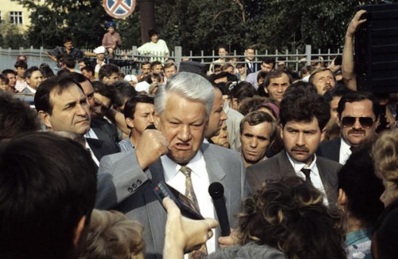 Уволенный губернатор впервые подал иск к Путину. Главы регионов лишь дважды судились с президентом — оба раза c Ельциным