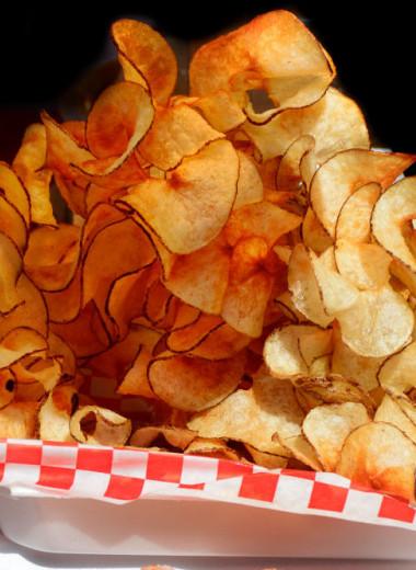 Посидим, похрустим: 6 фактов из истории чипсов