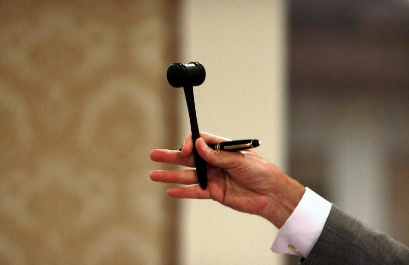Проклятие победителя: почему Нобелевскую премию снова дали за теорию аукционов