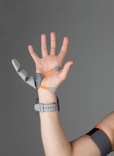 Как дополнительный палец на руке изменяет наш мозг: будущее аугментаций