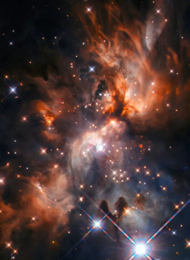 «Хаббл» запечатлел рождение массивной звезды в центре далекой галактики