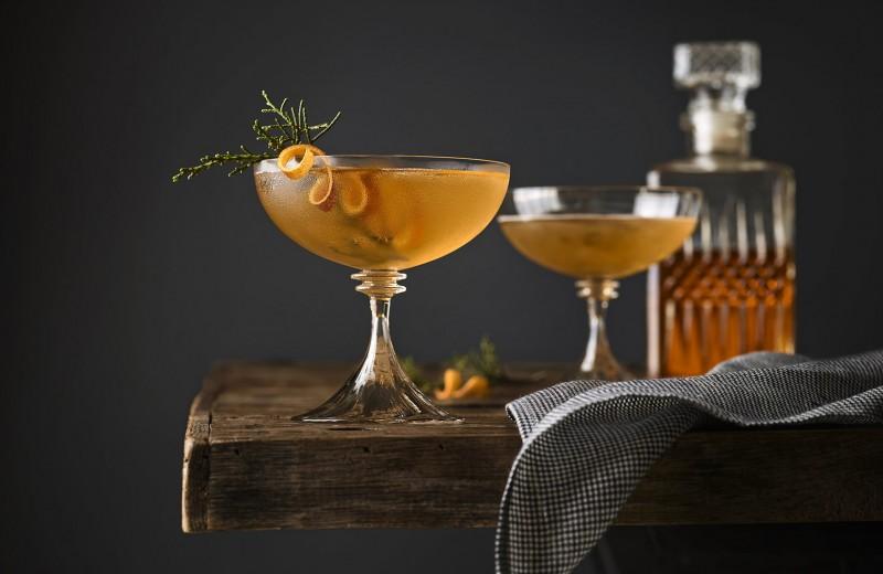 5 самых странных алкогольных напитков: от золотого шнапса до пива из помоев
