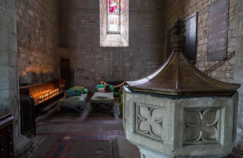 Ночевки в пустующих церквях: необычное направление туризма в Британии