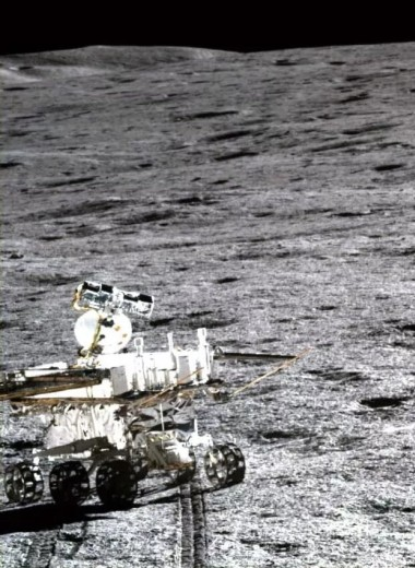 """""""Юйту-2"""" узнал происхождение грунта на обратной стороне Луны"""