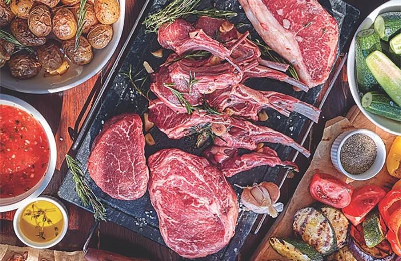 Гриль-вечеринка на уровне: шеф-повар поделился секретами приготовления мяса и овощей на огне