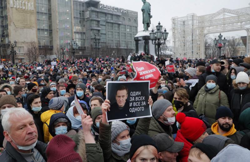 «Проблемы с эмпатией». Возможна ли российская оппозиция без Навального