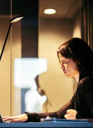 Надо поднажать: почему женщины страдают трудоголизмом