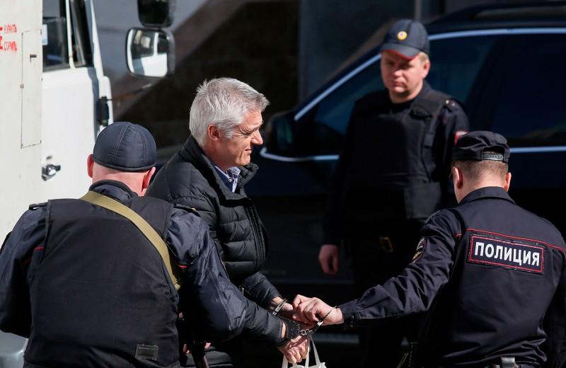 «Последний герой»: WSJ узнала, как Калви выманили в Москву перед арестом