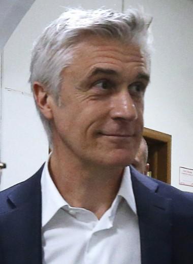 Основателю Baring Vostok Майклу Калви продлили домашний арест