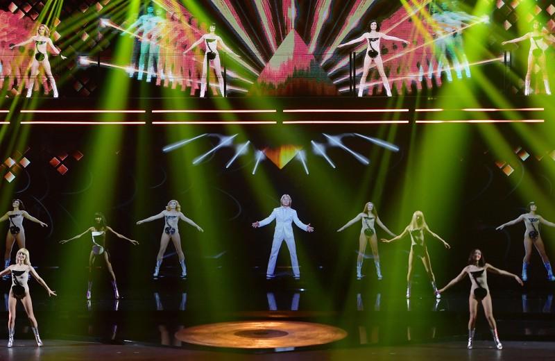 «Бедненький российский шоу-бизнес»: сколько стоят шоу, как у Шнура и Дрейка, и как на них зарабатывают
