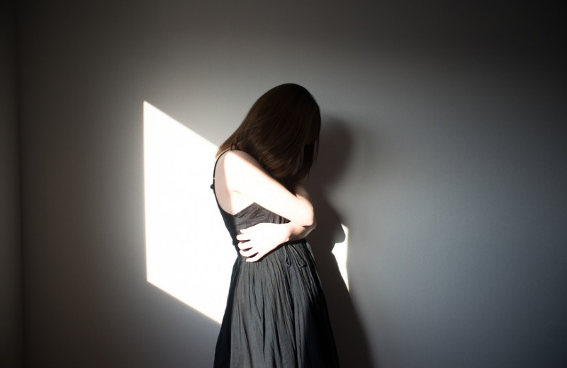 Жертвы традиции: как патриархат вынуждает женщин становиться эмоциональной обслугой
