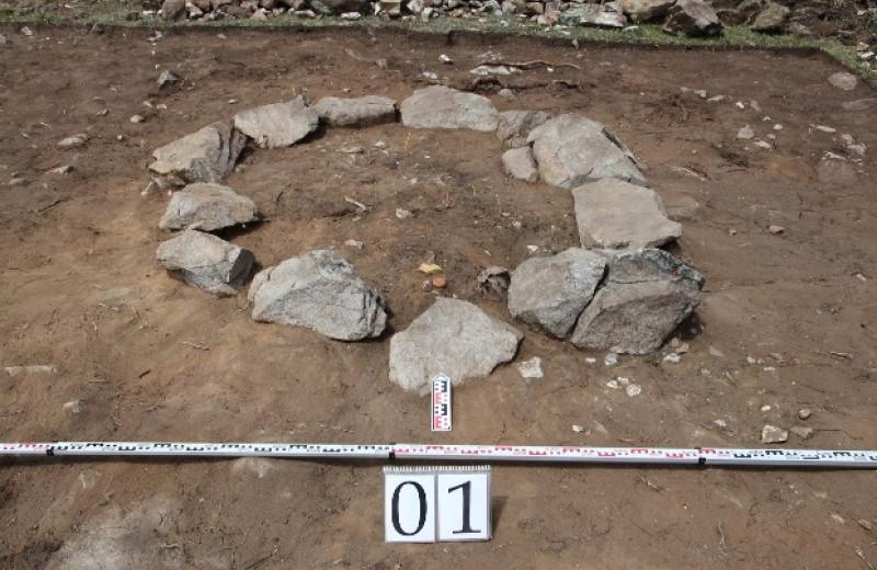 Археологи нашли древнейшее погребение эпохи бронзы в Юго-Восточных Саянах
