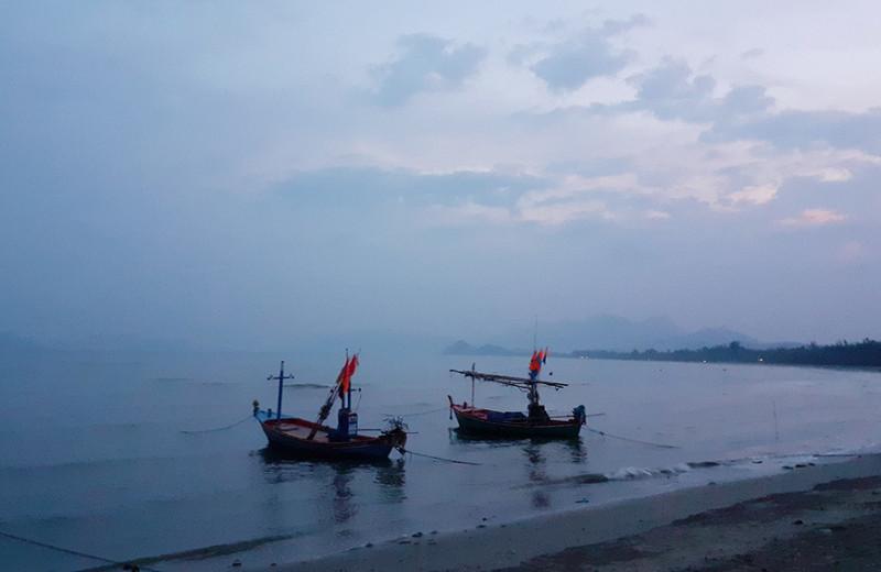 Одна вокруг света. Возвращение в Бангког и переправа машин через океан
