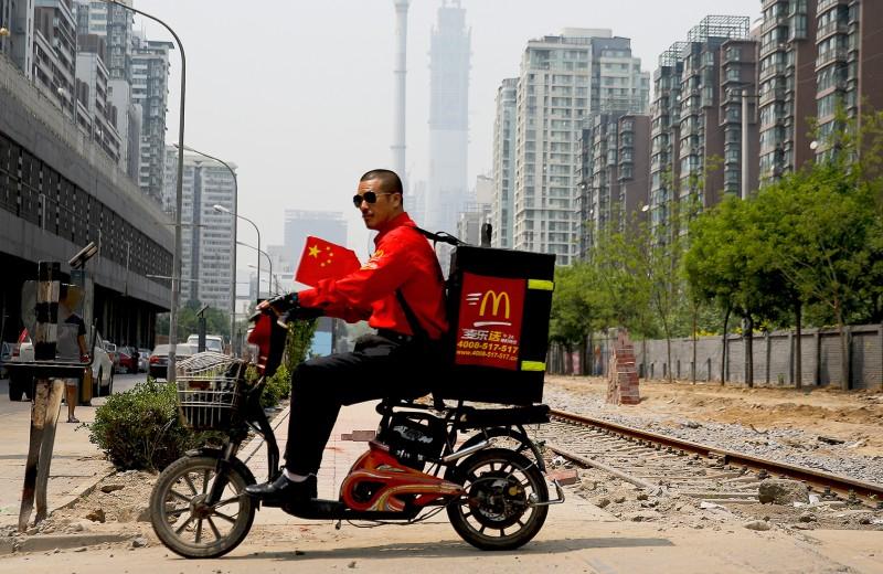 McDonald's откроет рестораны только для доставки. Как это изменит рынок еды?