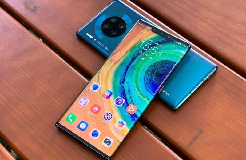 Смартфоны Huawei остались без сериалов, такси и каршеринга