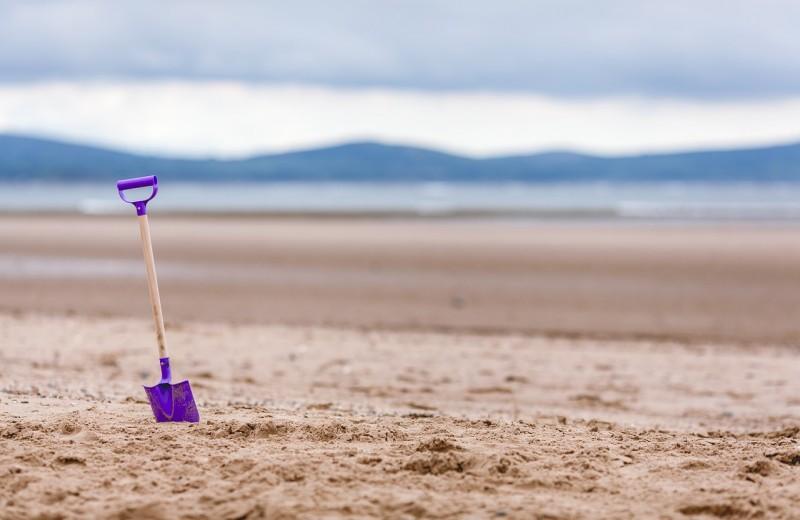 Туристы на Сардинии платят штраф за песок с пляжа