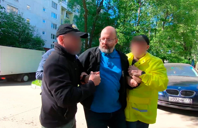 Алексея Семеняку подвели широкие связи