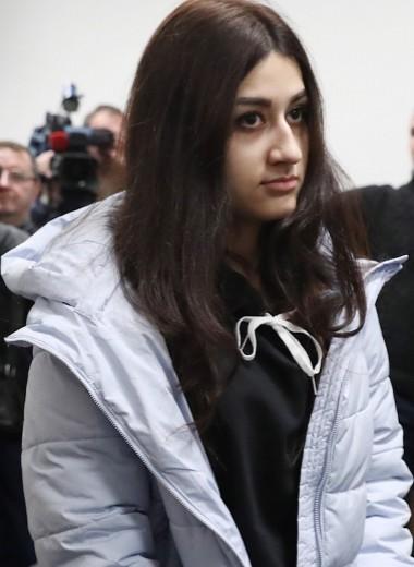 Необходимая оборона: что значит переквалификация обвинения сестрам Хачатурян