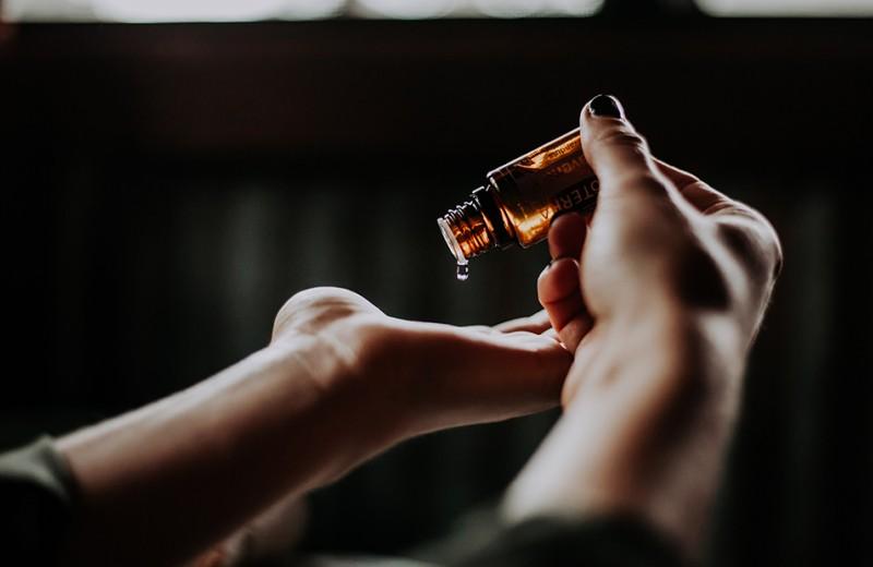 Что такое феромоны и как работают афродизиаки